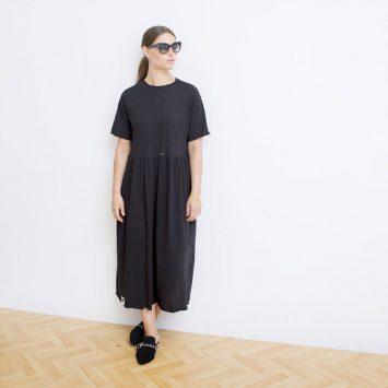 שמלת רוח שחורה