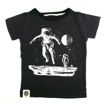 טי איש חלל שחור