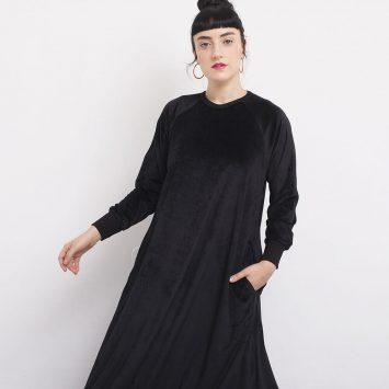 שמלת קטיפה שחורה ספורטיבית-רומנטית💘