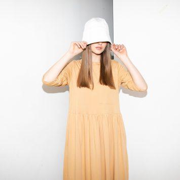 שמלת רוח מקסי בצבע חוֹל