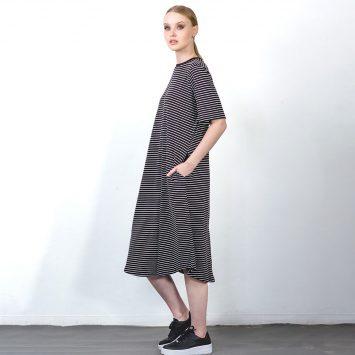 שמלת פסים מושלמת | שחור לבן