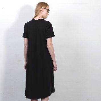שמלת טי שירט שחורה
