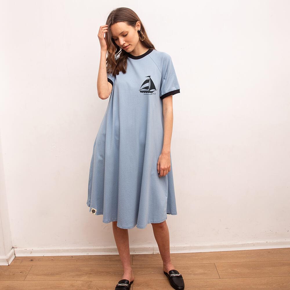 שמלת טי שירט רטרו מפרשית  | תכלת
