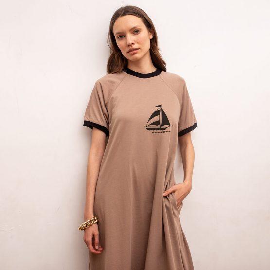 שמלת טי שירט רטרו מפרשית | קאמל