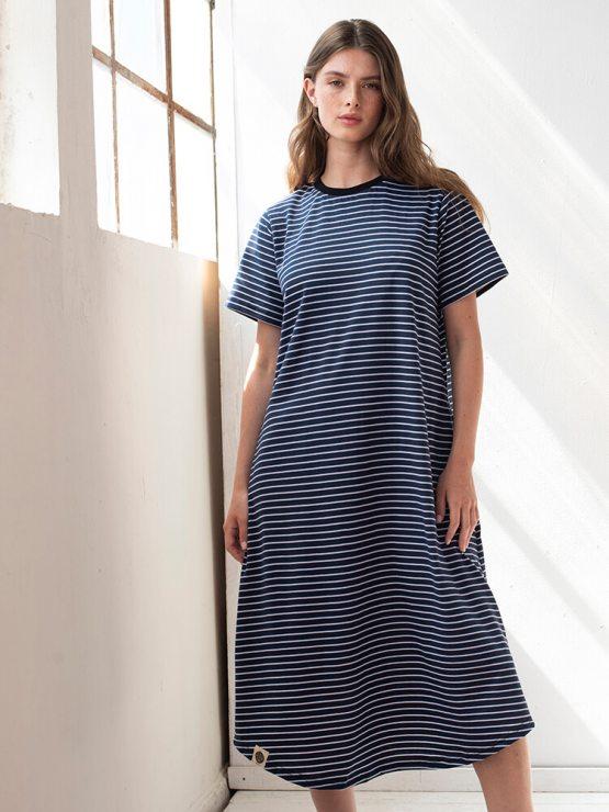 שמלת פסים מושלמת | כחול נייבי